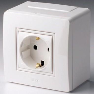 10482 | Коробка в сборе с силовой розеткой, белая